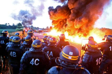 Francia: Huelgas, manifestaciones y bloqueo de combustible