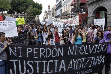 """Deben """"identificar, investigar y dar sanciones ejemplares"""" a responsables de desaparición de normalistas: CIDH"""